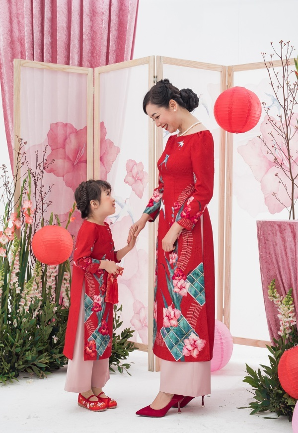 Ngỡ ngàng nhan sắc tuổi 52 của NSƯT Chiều Xuân