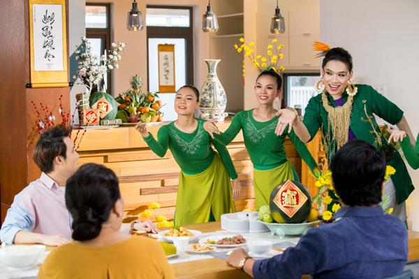 'Bùa ăn' của Quang Trung - Huỳnh Lập chiếm sóng showbiz