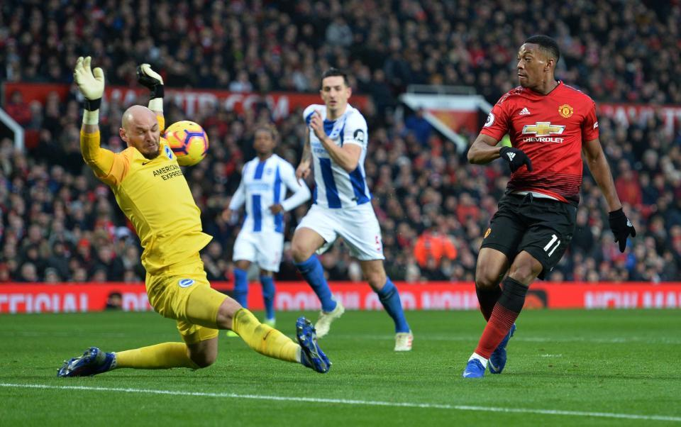 Martial được MU trọng thưởng, Chelsea lỗ nặng bán Morata