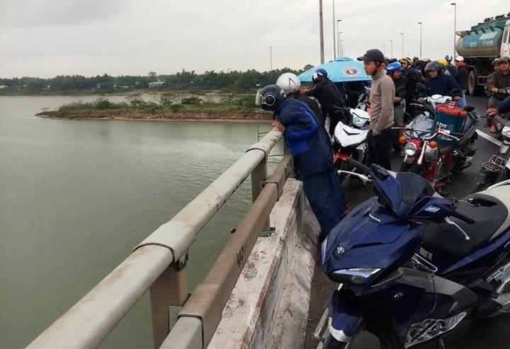 tài xế,tài xế container,tự tử,Quảng Nam