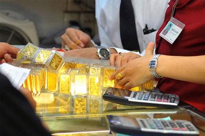 Giá vàng hôm nay 25/1: USD bật tăng, vàng quay đầu giảm