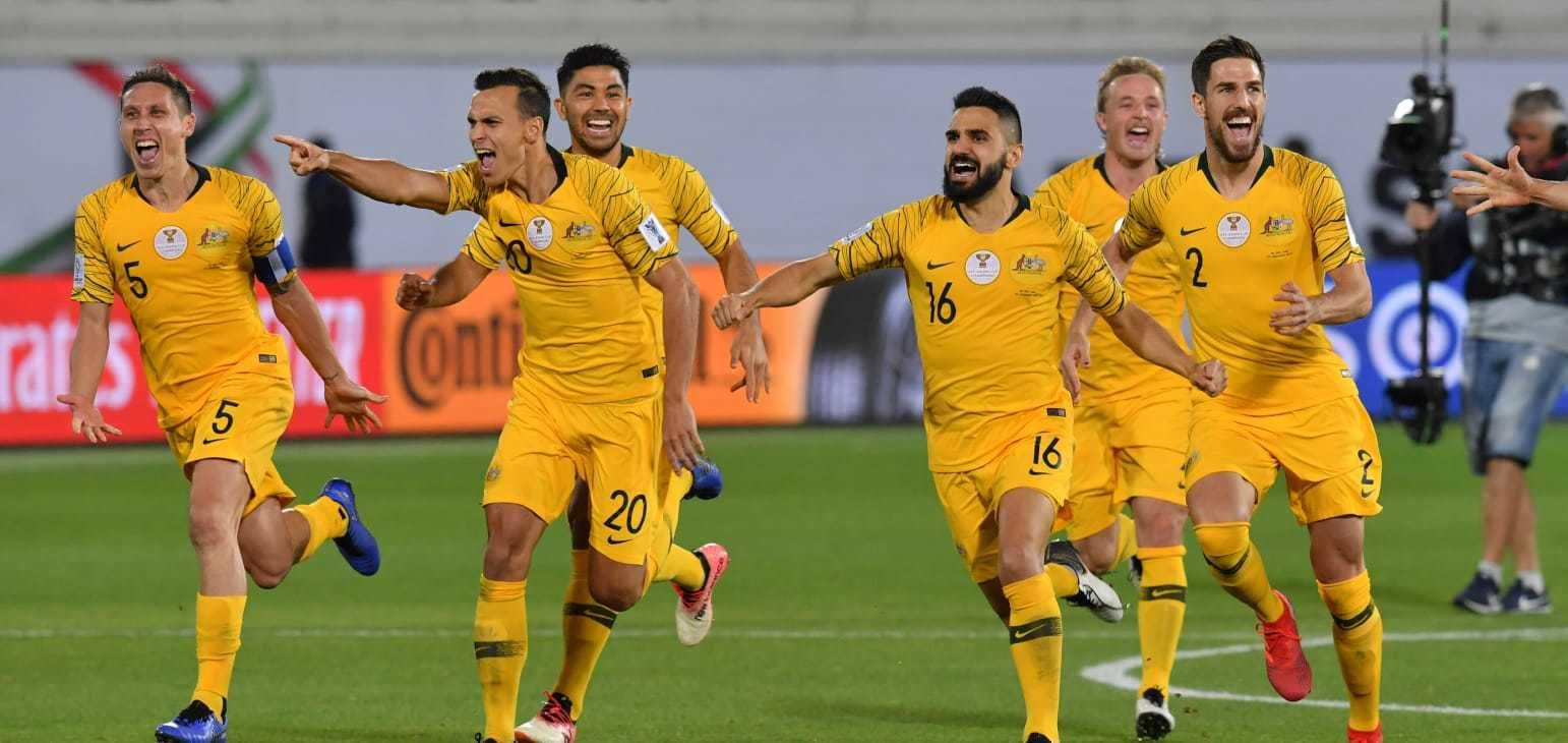 Thắng luân lưu, ĐKVĐ Australia đấu UAE ở tứ kết