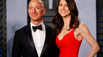 Vì sao vụ ly hôn của tỷ phú Jeff Bezos làm giới đầu tư lo lắng?