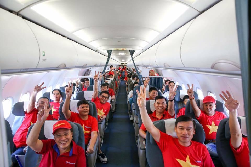 Hơn 300 CĐV Việt Nam sang UAE tiếp lửa thầy trò HLV Park Hang Seo