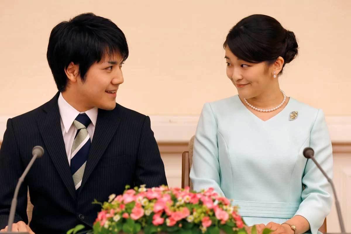 Chồng chưa cưới thoát nợ, công chúa Nhật có thể kết hôn