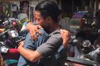 Chàng trai gặp bố mẹ sau 30 năm thất lạc nhờ mạng xã hội