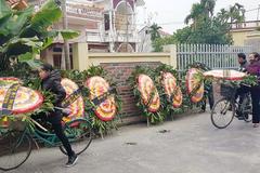Tai nạn ở Hải Dương: Vòng hoa tang dựng khắp đường làng