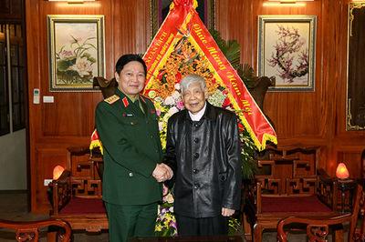 Đại tướng Ngô Xuân Lịch thăm, chúc Tết nguyên Tổng bí thư Lê Khả Phiêu