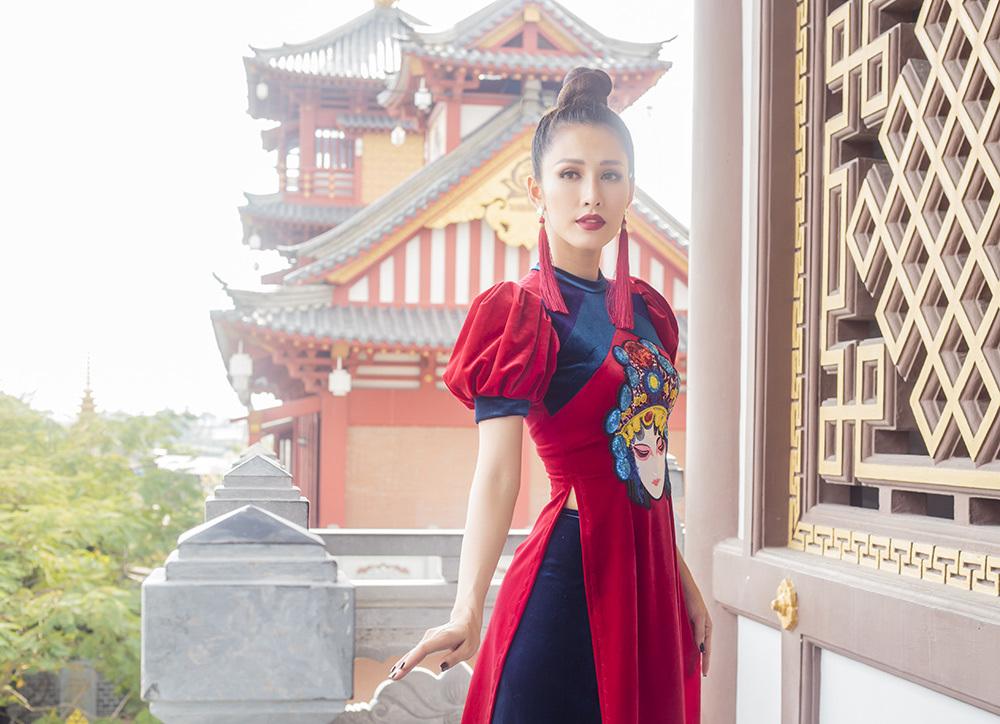 Phan Thu Quyên duyên dáng trong BST áo dài chào xuân