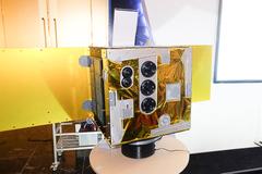 Những bức ảnh đầu tiên được chụp từ vệ tinh MicroDragon