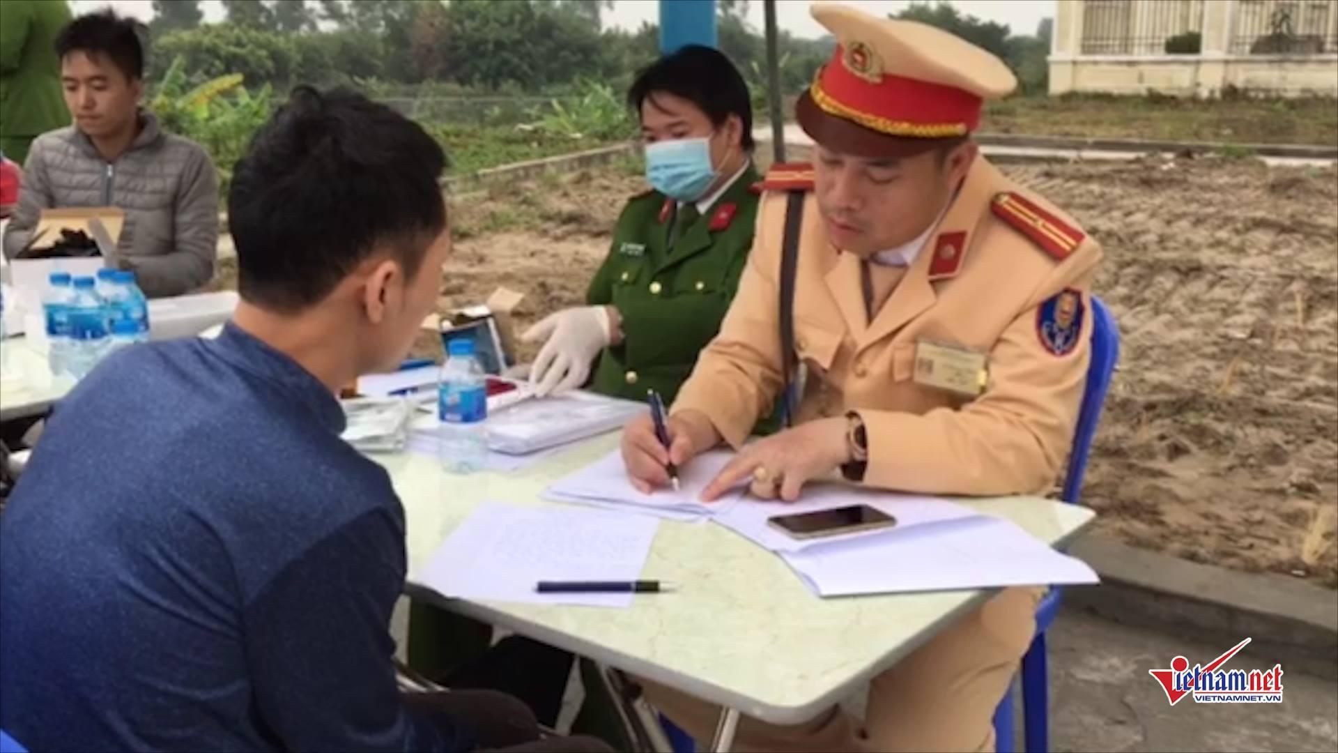 Phát hiện tài xế dương tính với ma túy trên cao tốc Hà Nội - Hải Phòng