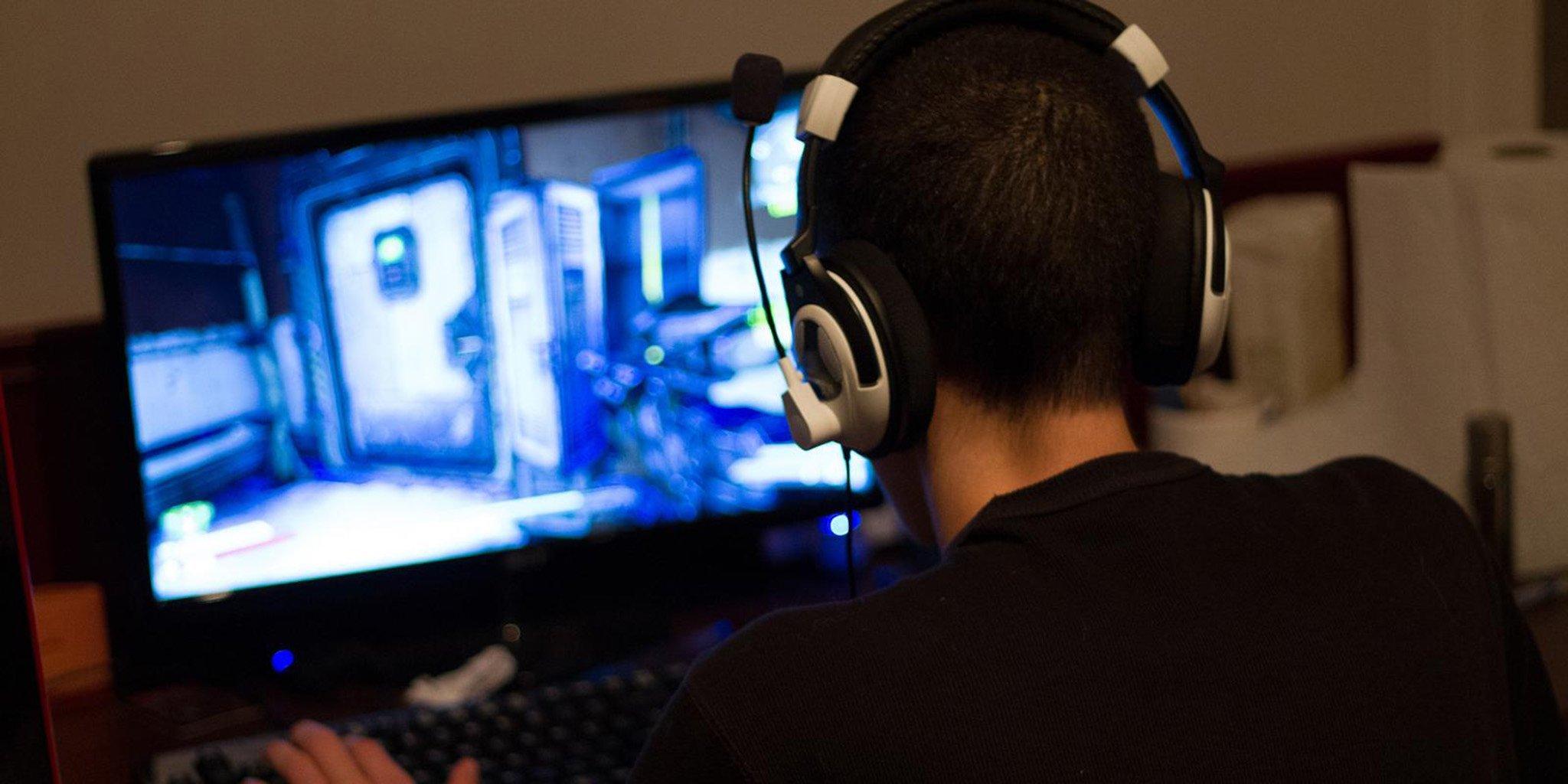 Bỏ học làm streamer: Vỡ mộng kiếm tiền, sinh viên nhận kết đắng