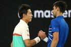 """Nishikori """"đầu hàng"""", Djokovic lấy vé bán kết Australia Open"""