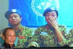 Cuộc gặp nghẹn ngào giữa cha và nữ quân nhân 'mũ nồi xanh'