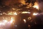 Lửa dữ dội thiêu rụi nhiều nhà dân trong đêm