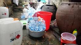 Phát hiện giấm ăn được sản xuất từ axit và nước lã bán ra thị trường