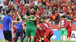 """Bóng đá Việt Nam và những dự báo """"thần kỳ"""" trong năm 2019"""