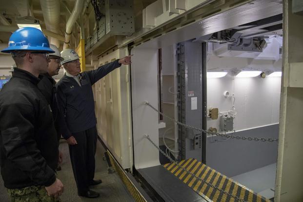 Tàu sân bay Mỹ 13 tỷ đô được trang bị thang máy hiếm