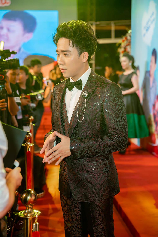 Vợ chồng Trấn Thành - Hari Won chi mạnh tay cho đồ hiệu 4 tỷ