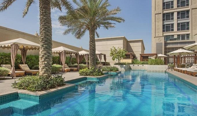 Bên trong khách sạn siêu sang nơi tuyển Việt Nam lưu trú ở Dubai