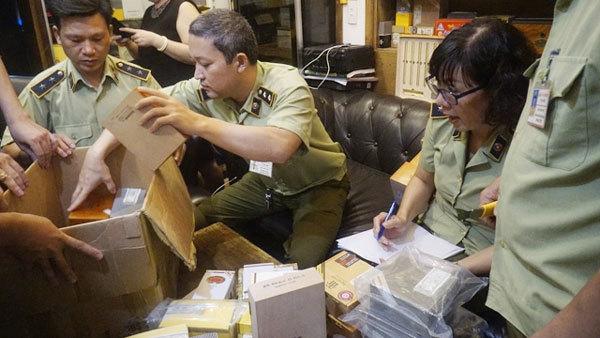 Hà Nội: Thu giữ hơn 1.200 điếu xì gà không chứng từ