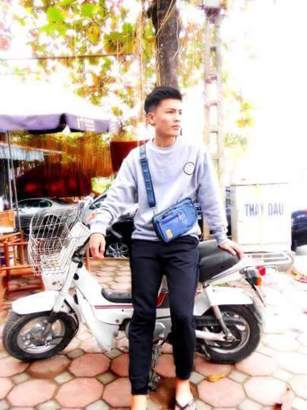 Anh trai cầu thủ Quang Hải làm thợ xăm ở Hà Nội