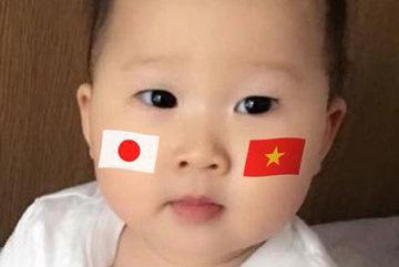 Bé gái lai Nhật - Việt và biểu cảm gây sốt trước giờ bóng lăn: Yêu cả hai, con biết cổ vũ cho ai?