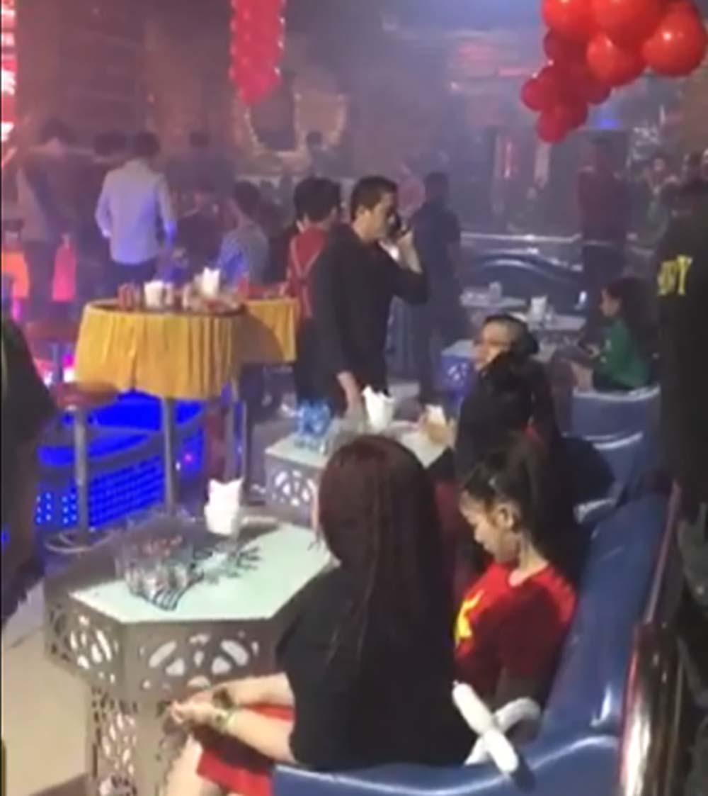 Quán bar của dân chơi ma túy có màn múa khiêu dâm
