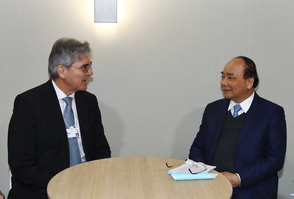 Thủ tướng đối thoại, tiếp xúc song phương với các nhà lãnh đạo tại Davos