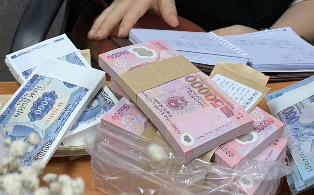 tiền lẻ,đổi tiền,tiền lì xì,Tết Nguyên đán,mừng tuổi