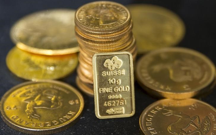 Giá vàng hôm nay 26/1: Rủi ro đe doạ, đổ tiền vào vàng