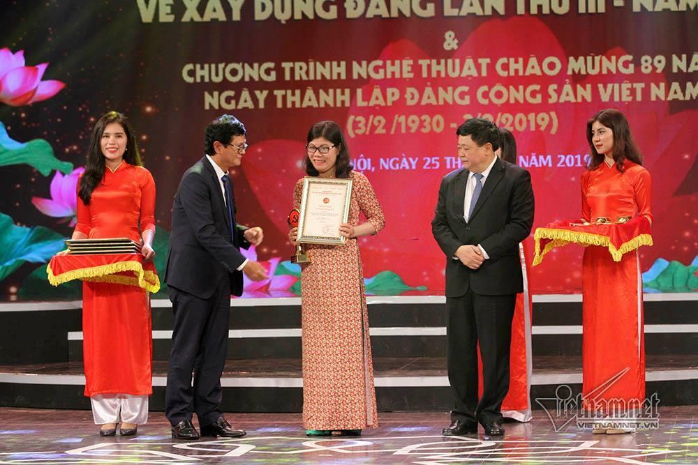Trao giải Búa liềm vàng cho 56 tác phẩm báo chí