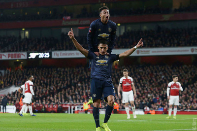 """MU chơi """"lên đồng"""", hất cẳng Arsenal ra khỏi FA Cup"""