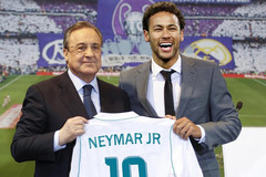Real hỏi mua Neymar, Juventus tranh Mata