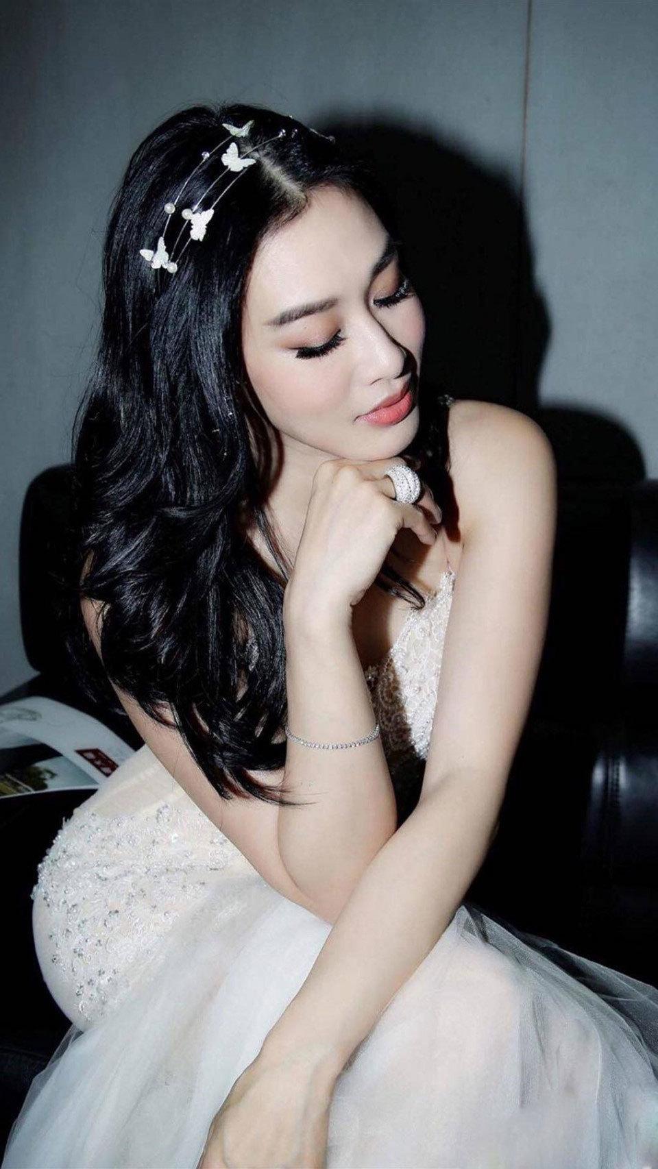 Vẻ đẹp gợi cảm của hai sao nữ gốc Việt lọt top mỹ nhân ở Trung Quốc