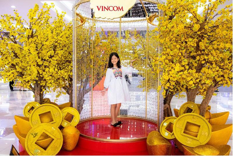 Vincom tưng bừng mở hội 'Đón Xuân Gắn Kết - Vui Tết Tài Lộc'