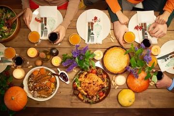 Quốc gia nào ăn 7 bữa trong ngày đầu năm mới?