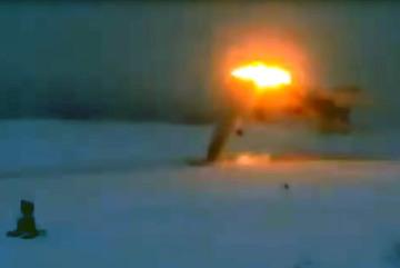 Khoảnh khắc máy bay ném bom Nga gặp nạn thảm khốc