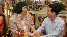 Nghệ sĩ Minh Vương ca vọng cổ tặng ông Võ Văn Thưởng