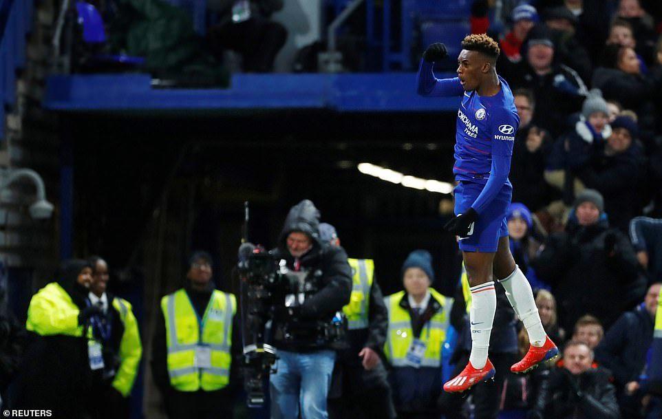 Higuain ra mắt kém duyên, Chelsea vẫn thắng trận '3 sao'