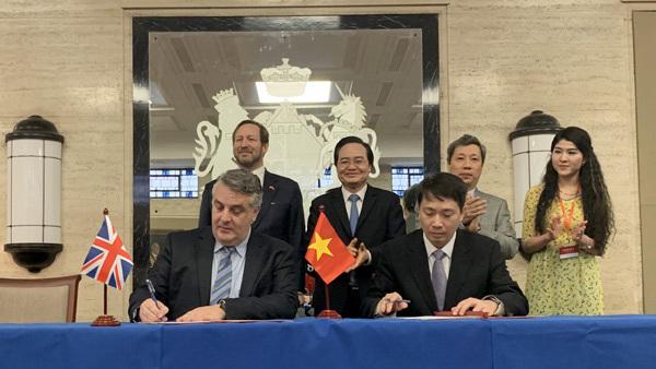 ICAEW ký kết Bản ghi nhớ hợp tác với Bộ GD&ĐT