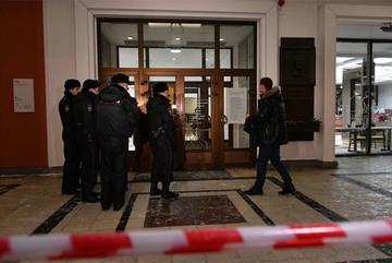 Ngang nhiên trộm tranh quý giữa triển lãm đông người ở Moscow