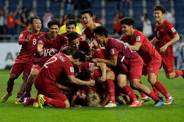Báo Hàn Quốc: 'Việt Nam giờ là Olympic Tokyo và World Cup 2022'