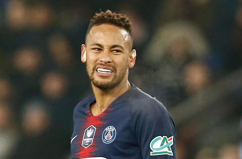 Neymar chính thức lỡ hẹn đại chiến với MU