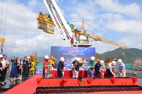 Cất nóc dự án Swisstouches La Luna Resort Nha Trang