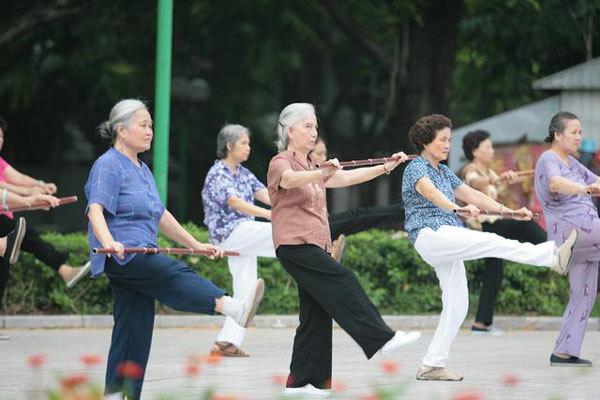 Đông Tây y bày cách phòng chống đau nhức xương khớp