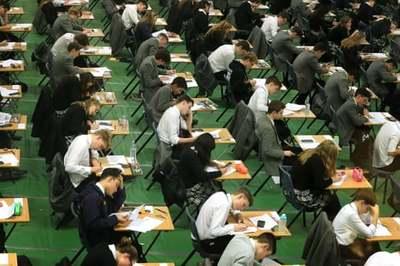 Anh đề xuất không lấy kết quả thi quốc gia để xếp hạng trường