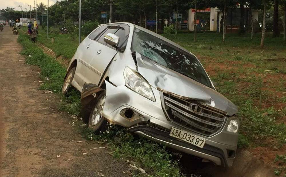 Điều chuyển trung tá công an lái ô tô tông chết người