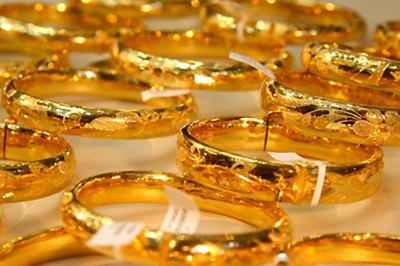 Giá vàng hôm nay 1/2: Tăng dữ dội, lên đỉnh mới