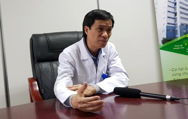 Doanh nhân Hà Nội vừa phẫu thuật u não vừa hát quốc ca trên bàn mổ